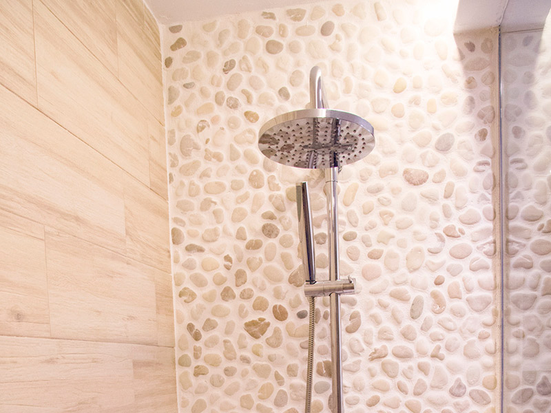 revestimiento-baño-marmol-mallorca